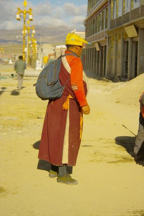 理塘チベット僧_R