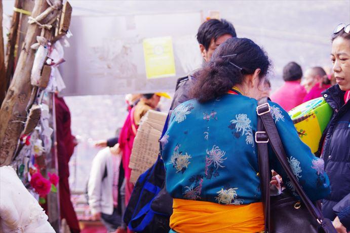 ラルンガルゴンパ:民族衣装_R