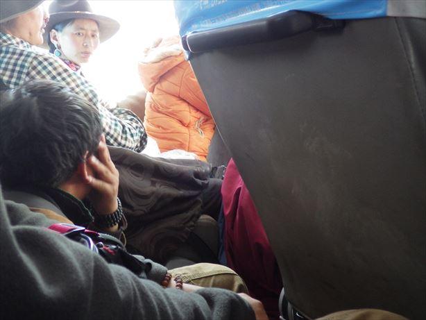 馬爾康行のバス車内 (2)_R