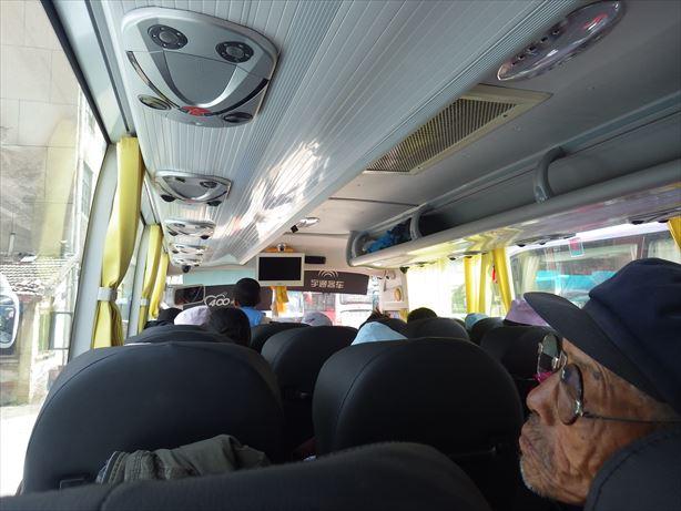 夏河行きバス車内
