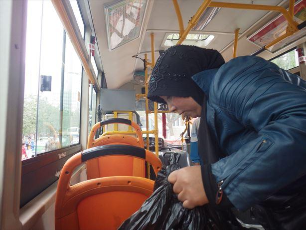 西寧のバス