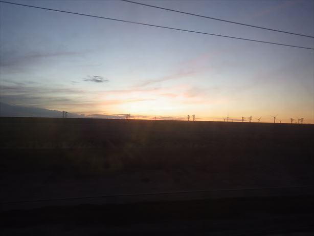 トルファン行の車窓から (2)_R
