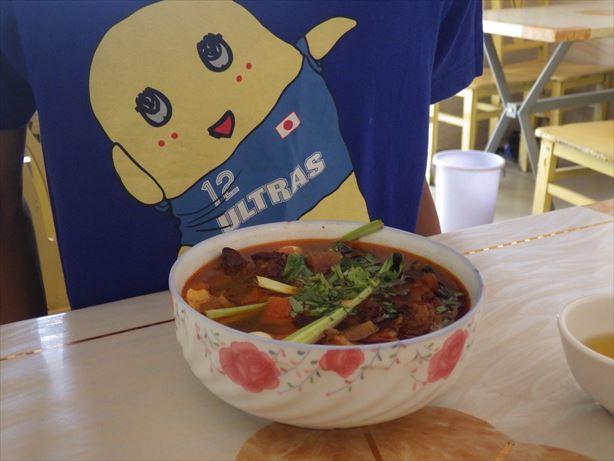 カシュガルのお昼ごはん!中華! (1)