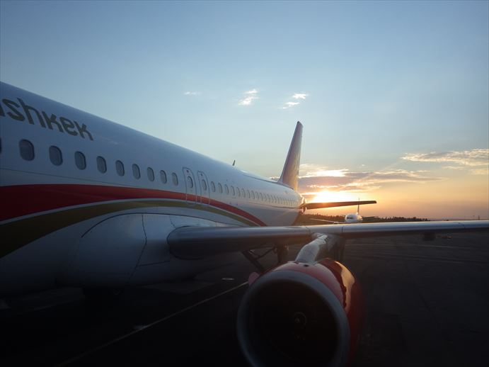 マナス空港からオシュへ (7)_R