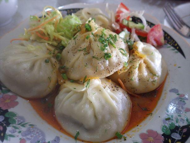 オシュのお昼ごはん:マンティ (1)