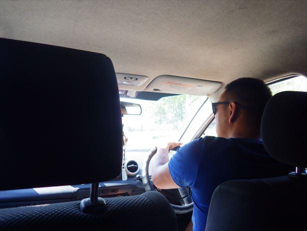 タクシーでアラアルチャまで