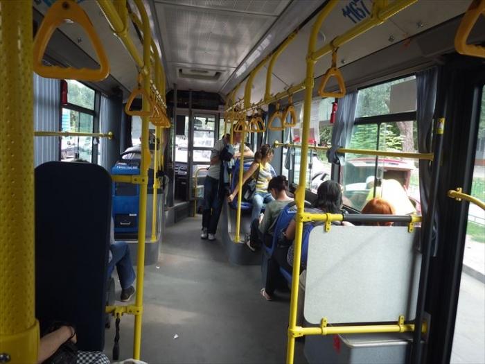 アルマトイのバス車内