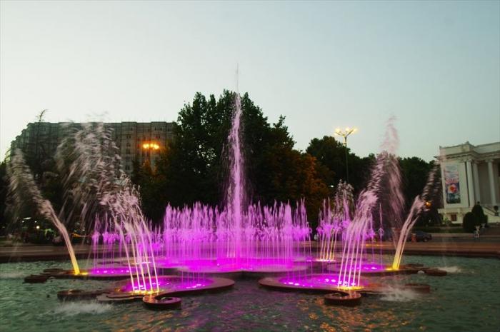 ドゥシャンベの公園 (5)_R