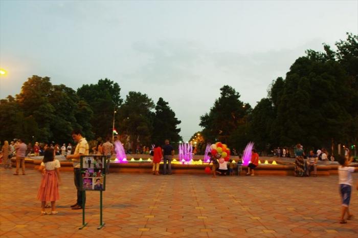 ドゥシャンベの公園 (12)_R