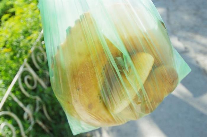 パン屋さんでナン購入 (3)