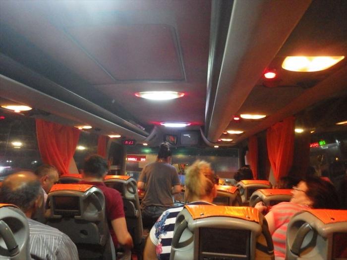 夜行バスでトビリシへ (3)