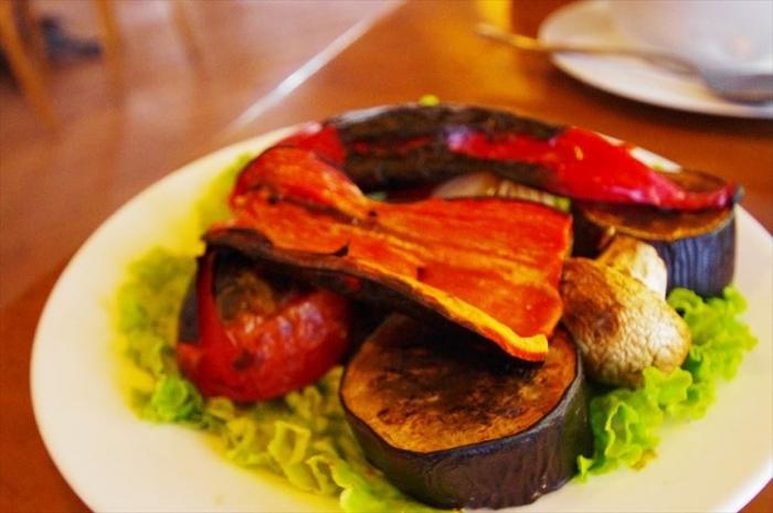 バトゥミのおいしいレストラン (8)_R