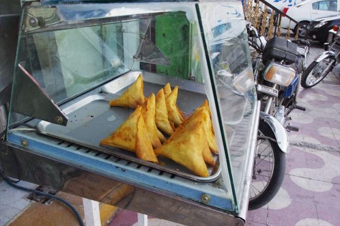 シーラーズでお昼ごはんチキン (2)