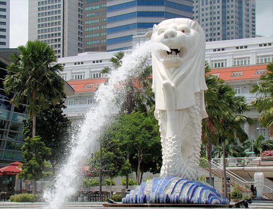 800px-Singapore_Merlion_BCT_R.jpg